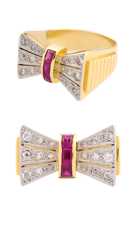 54c0f11c87a1 Anillo Chevalier de oro amarillo y blanco con diamantes y rubíes sintéticos