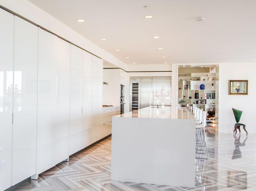 Modern White Cabinet Kitchen With Quartz Countertop Porcelain Tile Floors Jpg 850 636 White Modern Kitchen Modern Kitchen Tiles Modern White Kitchen Cabinets