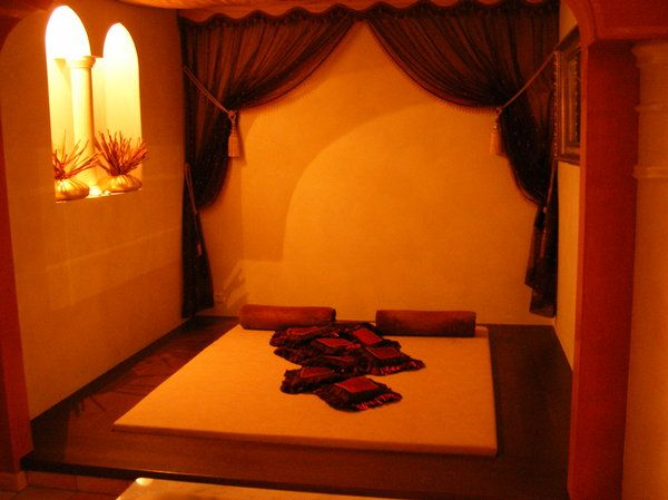 Arabische Schlafzimmer ~ Some kind of bedroom in a arabian style architecture Хорошие