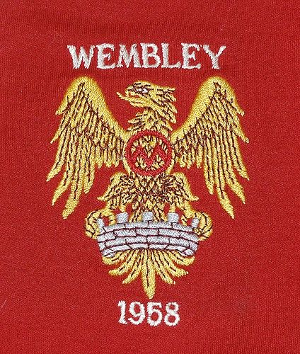 The Famous 1958 United Cup Final Badge Following Munich Depicting A Phoenix Rising Man Utd Crest Manchester United Manchester United Football