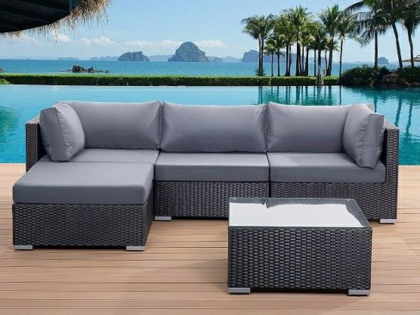 Garten Loungemobel Ecksofa In Grau Und Ein Nesttisch Outdoor Lounge Set Outdoor Sofa Sets Conversation Set Patio