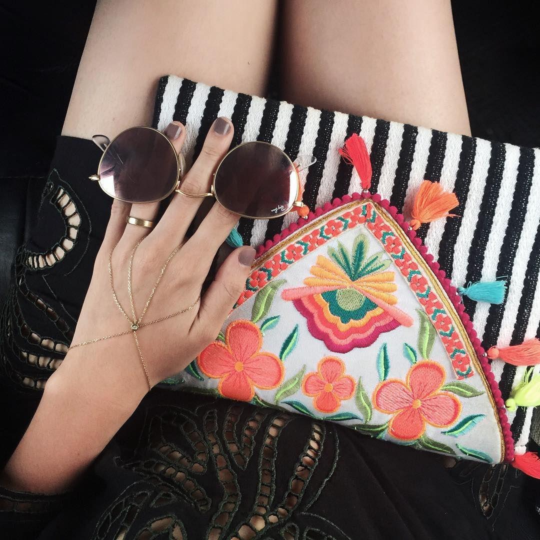 """""""Beach attire  Detalhes do look de ontem! Apaixonadaaaa por essa bolsa da minha coleção com a @Riachuelo! #camilacoutinhoparariachuelo #meuveraoriachuelo"""""""
