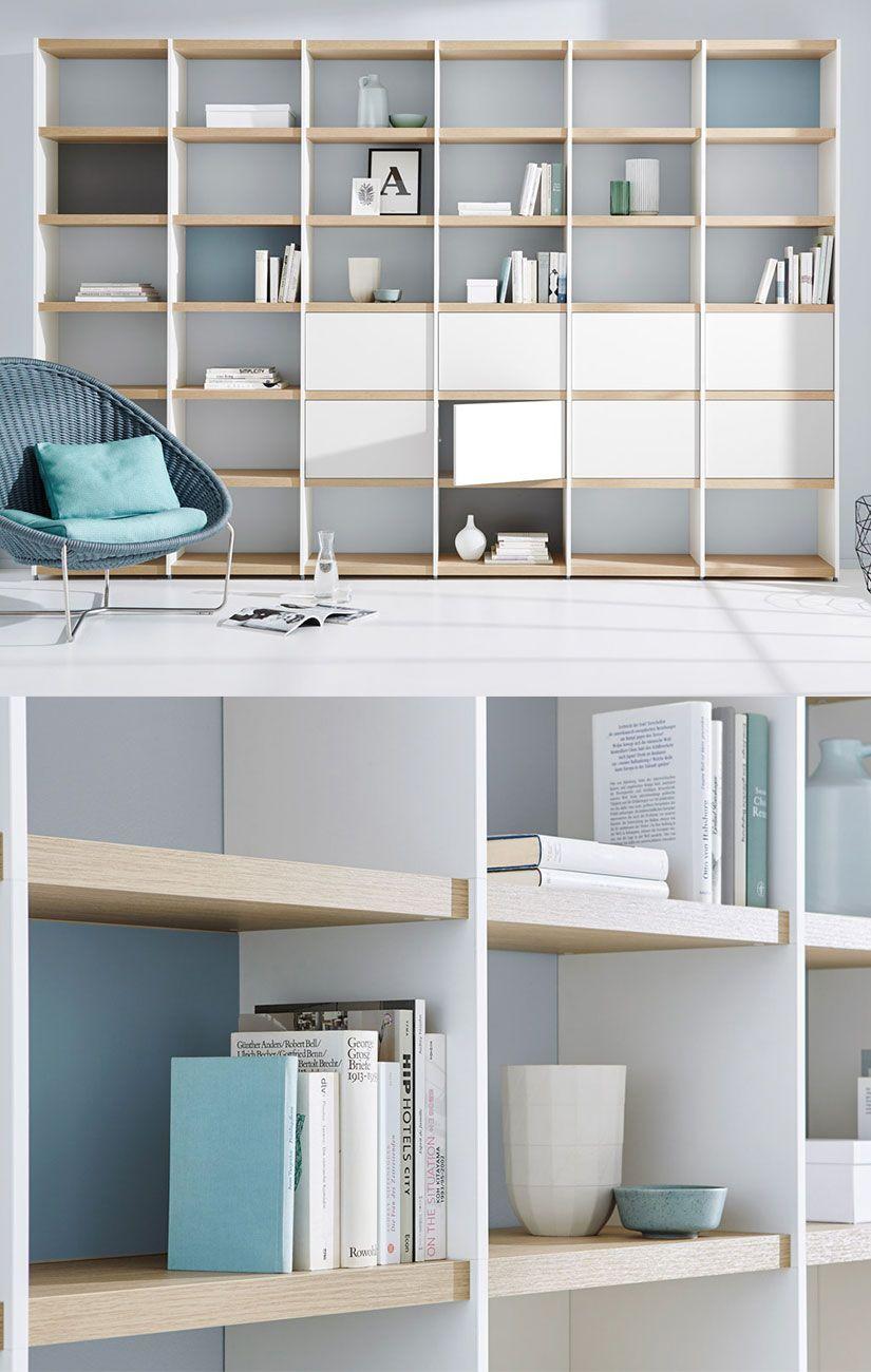 Schickes Bücherregal im Wohnzimmer – weiß, eiche, grau, blau | Wir ...