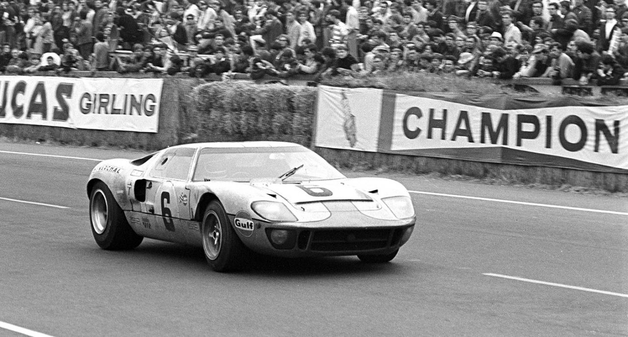 Ford To Return To Le Mans 60 Years After Famous 1 2 3 Victory Classic Driver Magazine Ford Gt40 Le Mans Ford Gt