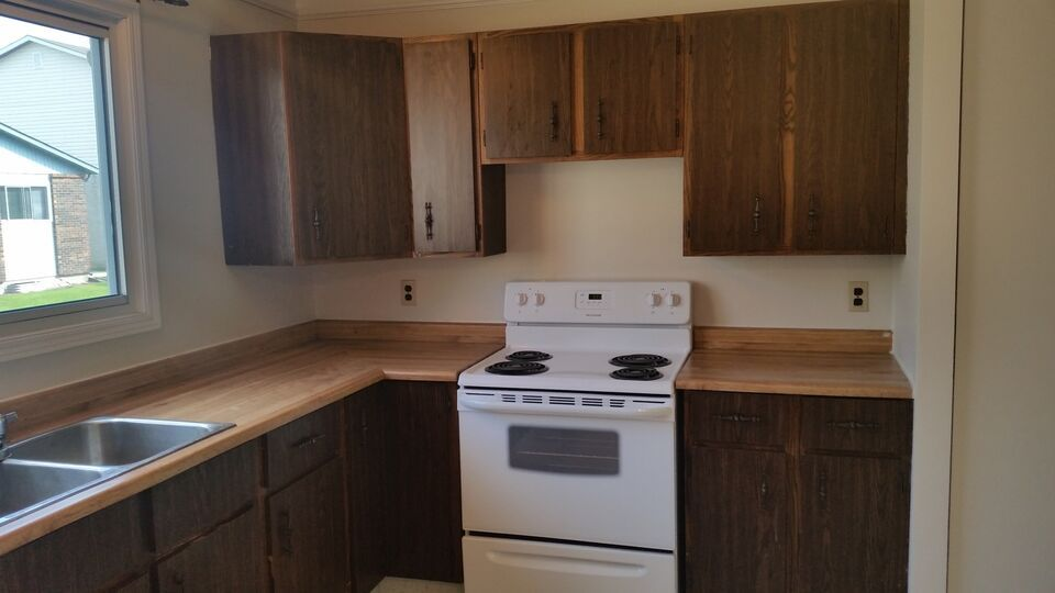 2 Bedroom Bunglow By Concordia Hospital July1 1150 House Rental Winnipeg Kijiji