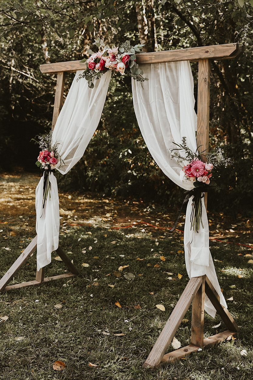 Bohemian Wooden Backdrop Wedding Arch | When in doubt, keep it simple –  like this gorgeous wood… | Rustic outdoor wedding, Rustic bohemian wedding,  Wooden backdrops