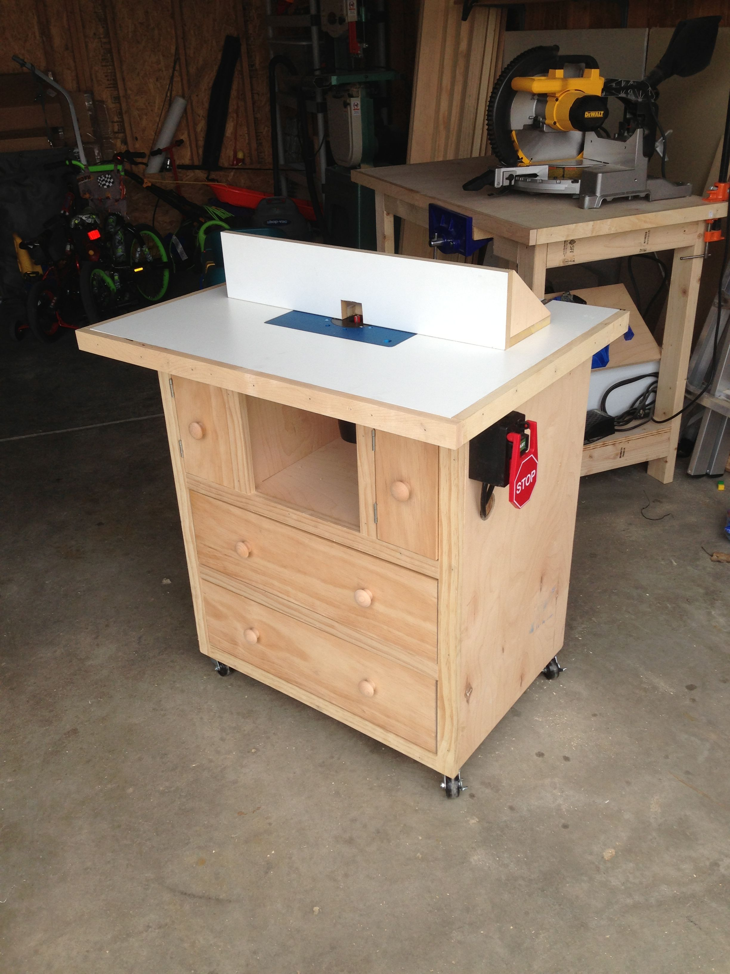 Diy Benchtop Router Table Router Table Do It Yourself Home Projects From Ana White
