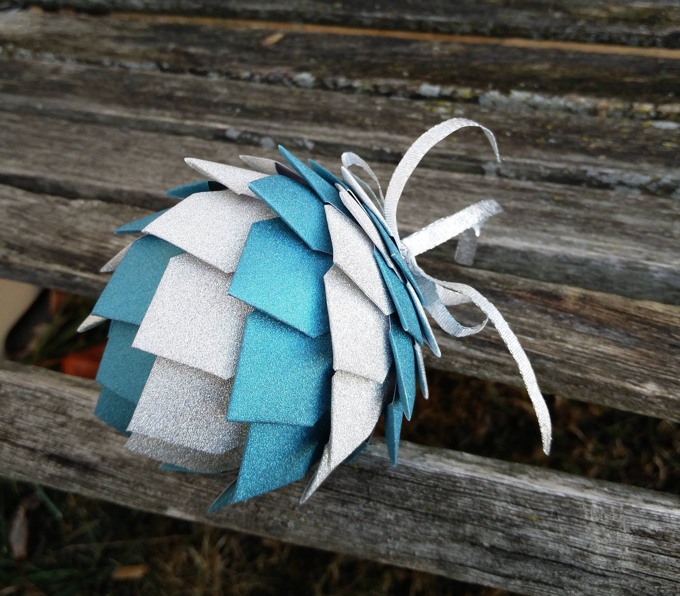 Decoration FLY FISHING Paper Pinecone Ornament Dad. Flies Gift Birthday Christmas Anniversary