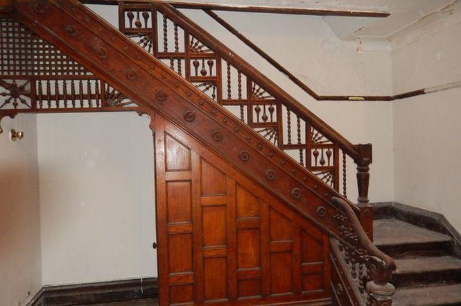 4343 S Ellis Ave Chicago Il 60653 Victorian Homes Stairways Stairs