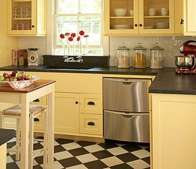 Merveilleux Updated Vintage Kitchen Yellow Paint, A Checkerboard Floor, And Soapstone  Countertops Create Vintage Style. Glass Front Upper Cabinets Make The Room  Feel ...