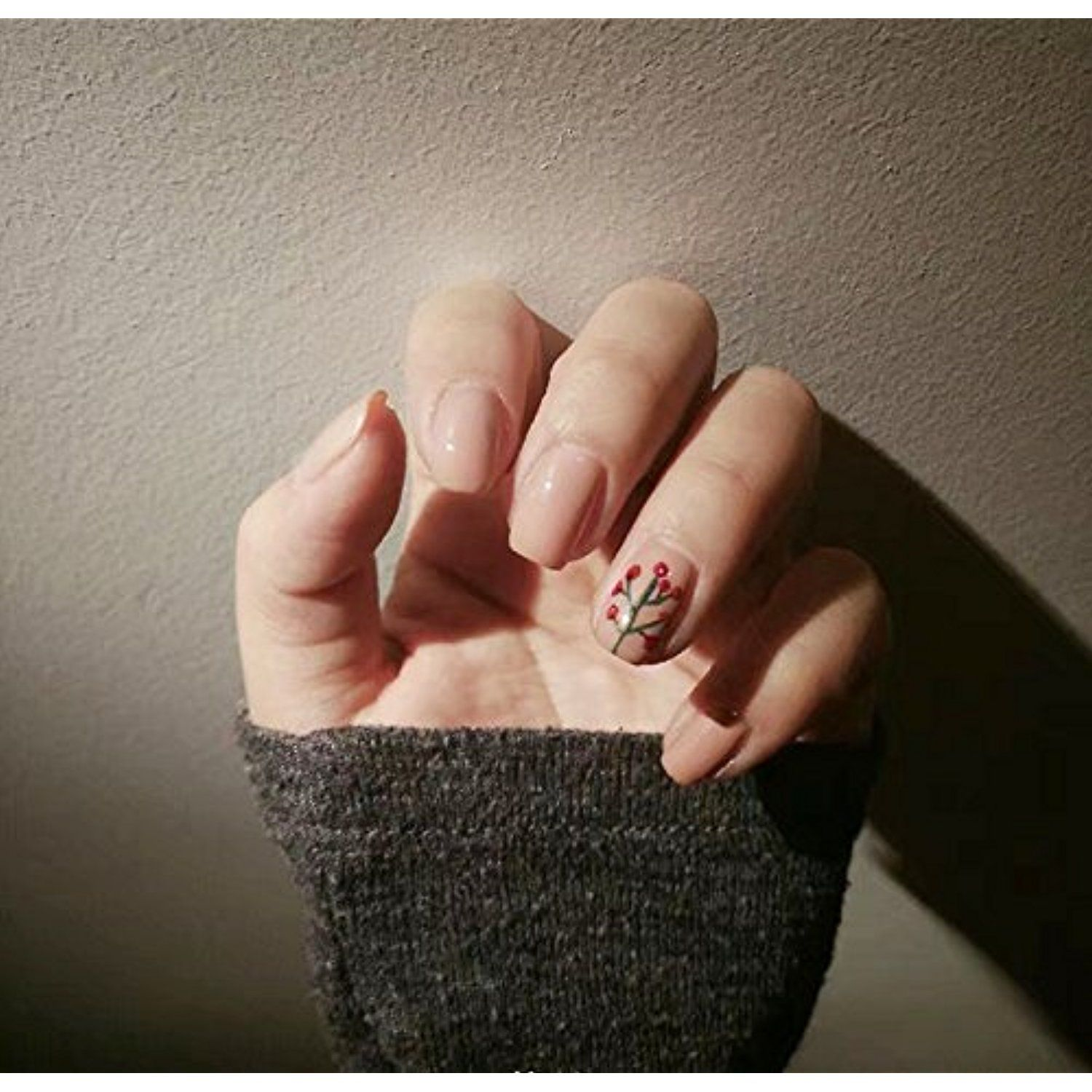 YUNAI Designed Fake Nails for Teen Nude False Nails with Flower Cute ...