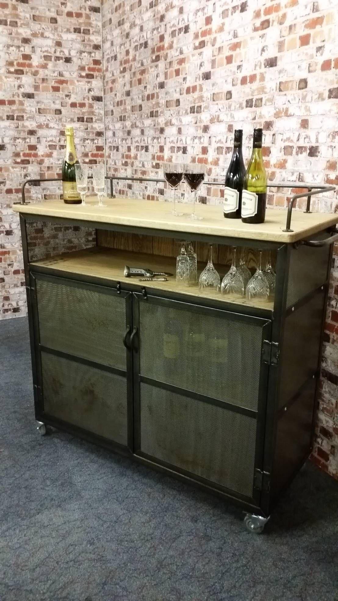Un peque o placer en casa 10 muebles bar de inspiraci n for Muebles para bar en casa
