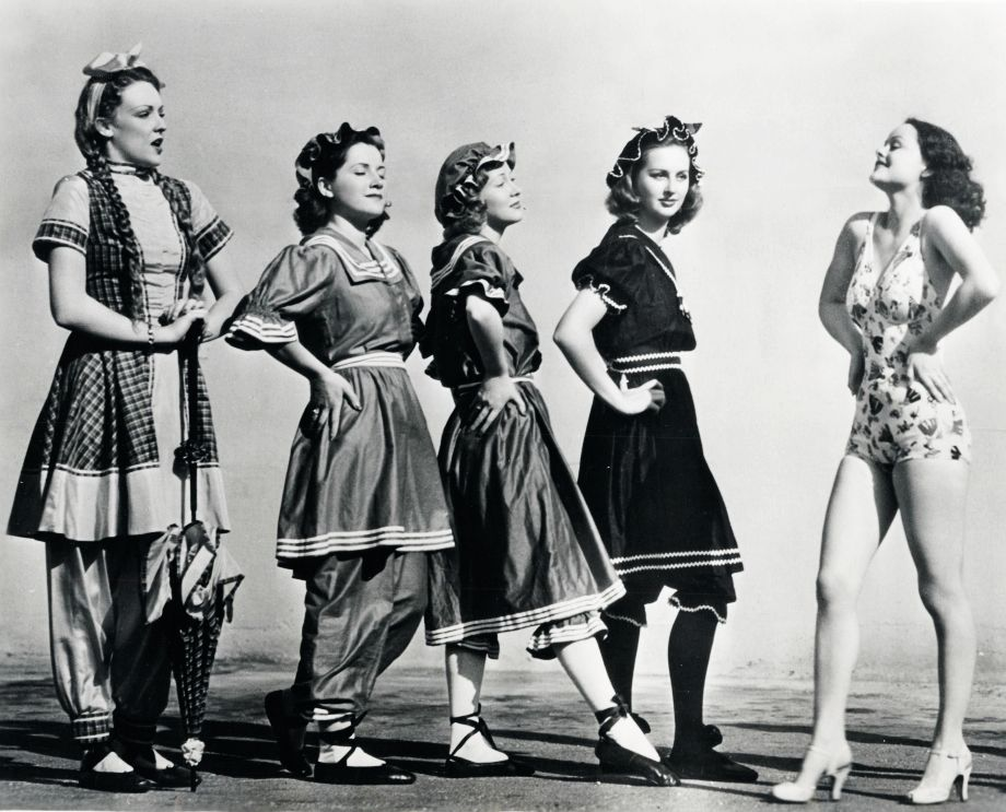 The Evolution Of Swimsuits From The 1900s To 1940s Why Couldnt