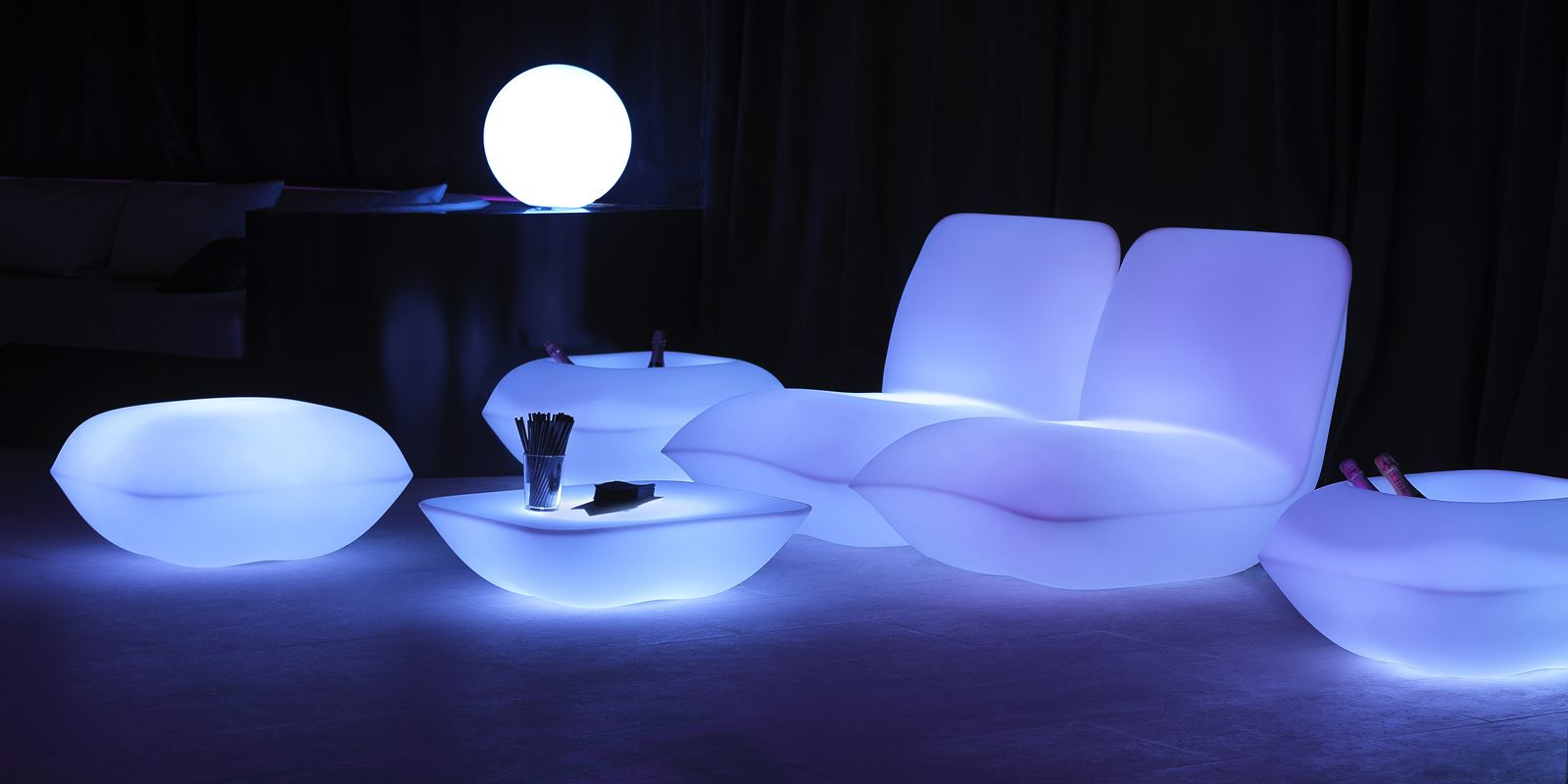 Pillow lounge chair by stefano giovannoni elisa gargan armchairs lounge chairs vondom products
