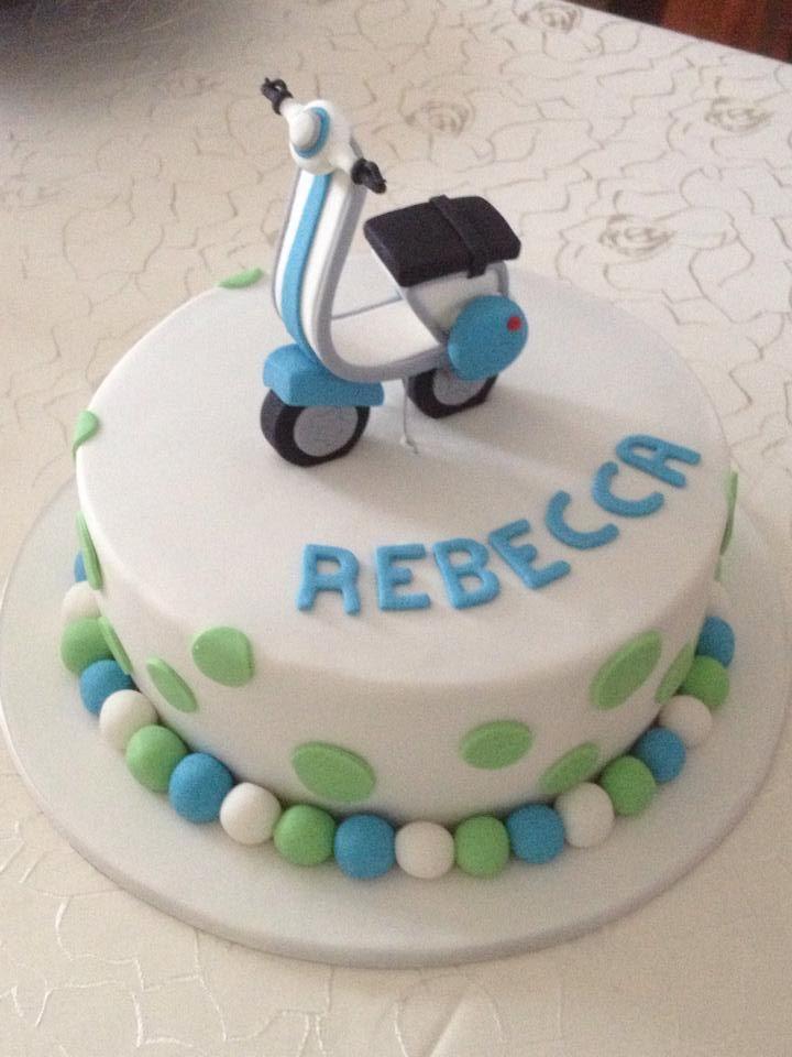 Vespa Birthday cake CAKES MOTOS Y BICICLETAS Pinterest Vespa