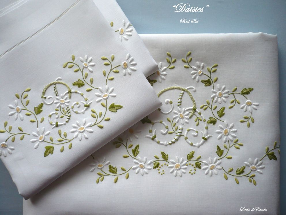 Lin De Ch 226 Teau Bed Linensentirely Hand Embroidered