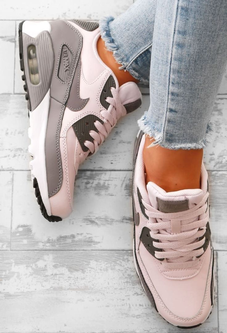 Pin by Sabrina Jares on Shoes in 2020 | Sneakers nike air