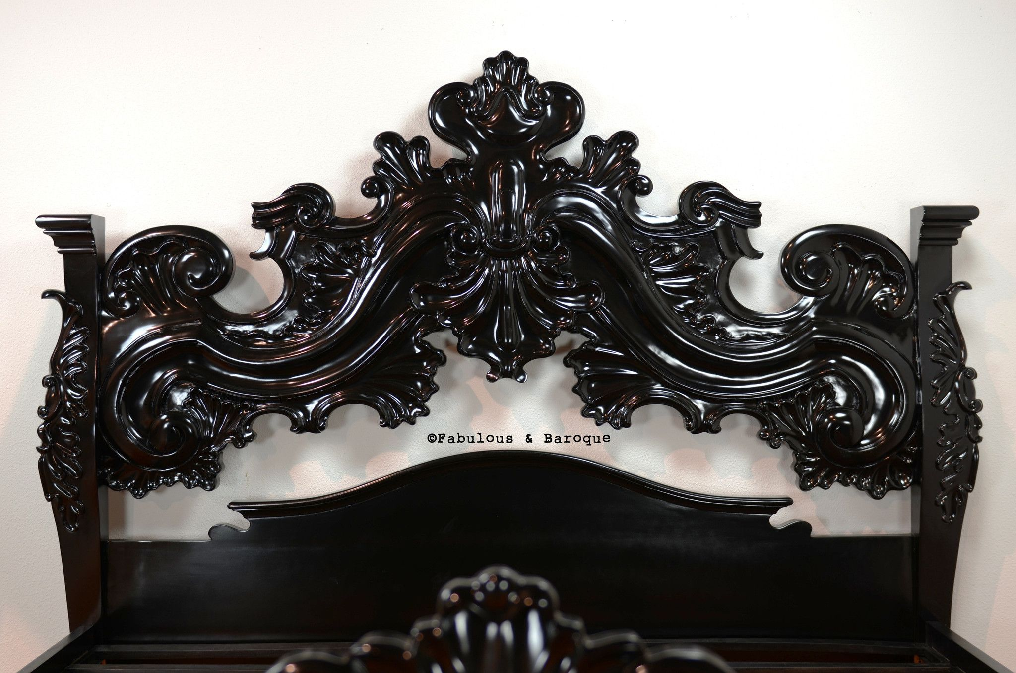 King arthur bed black romantic rococo pinterest - Gothic wohnen ...