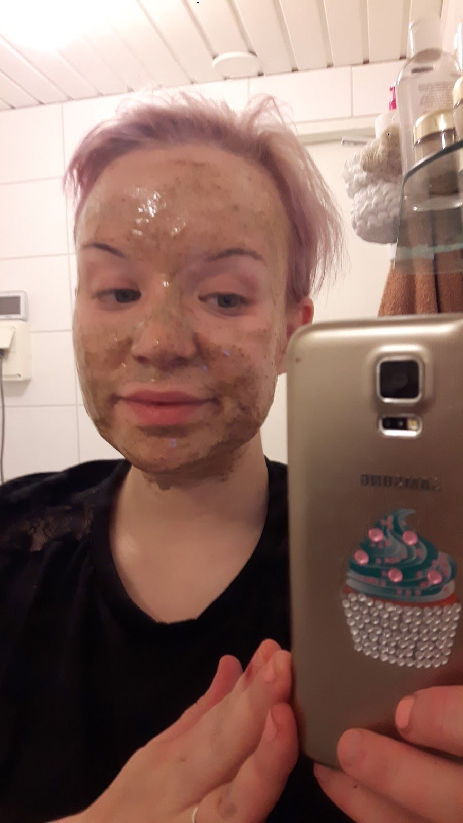 I've been dealing with acne almost day one.. here's some facemask ideas from the kitchen..