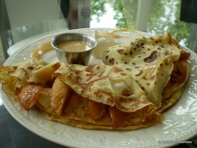 la cuisine de nathalie: crêpes aux pommes caramélisées, sauce à l