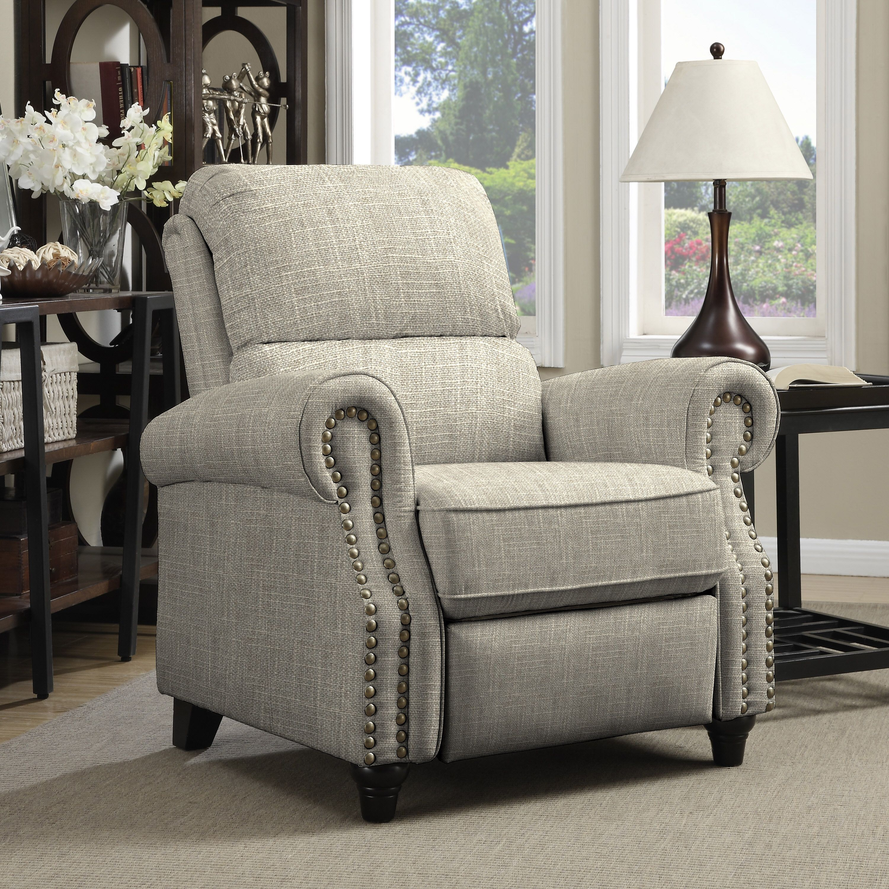 Overstuffed Living Room Chairs: Living Room Chairs: Create An Inviting Atmosphere With New