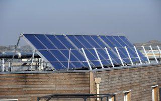 Des panneaux solaires en toiture pour des villes plus durables