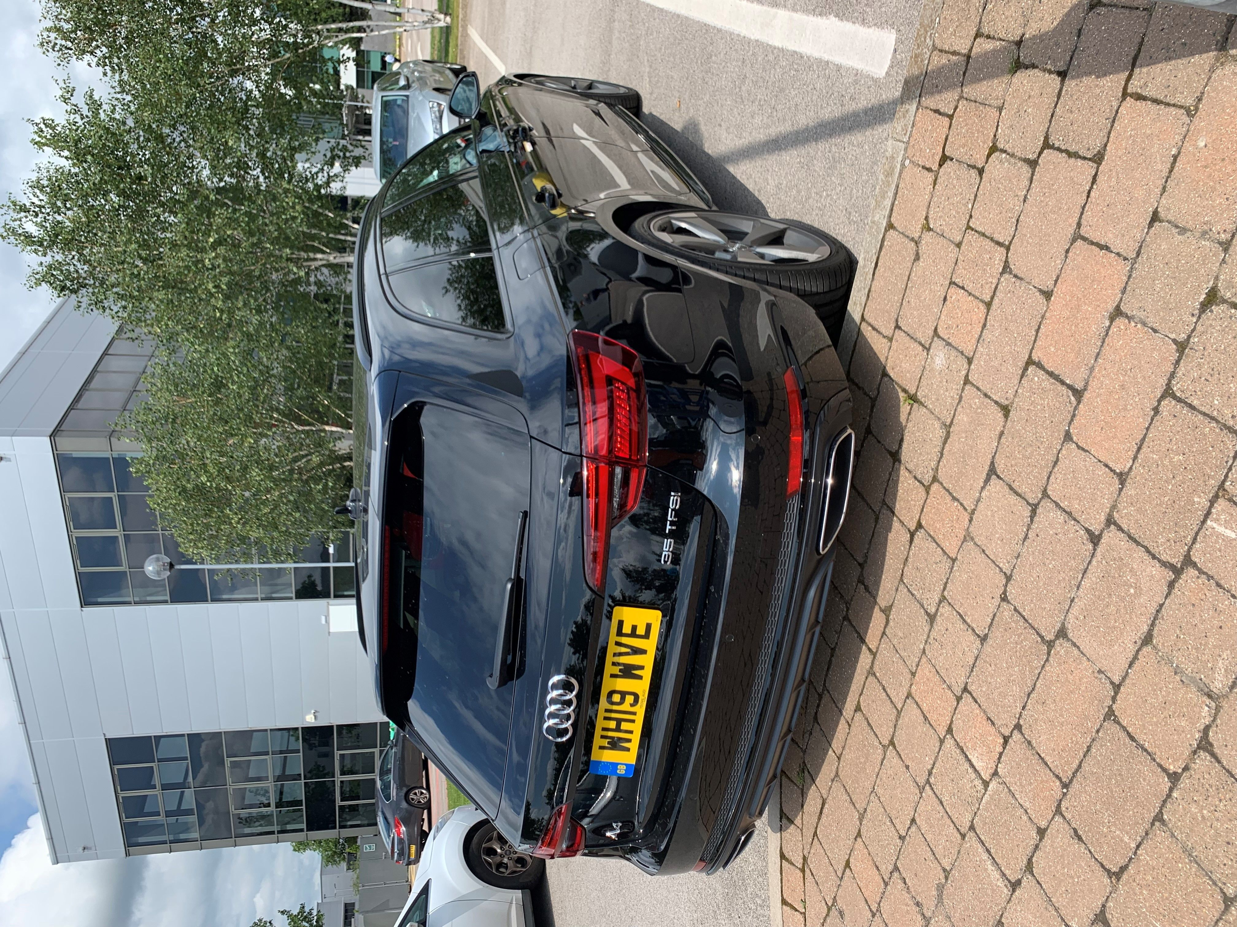 The Audi A4 Avant 35 Tfsi Black Edition 5dr S Tronic Car Leasing