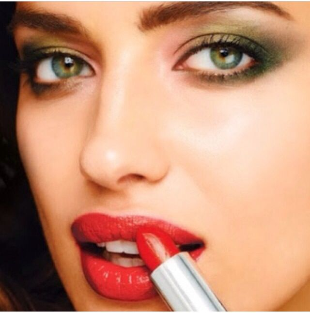Pin by Hettiën on Wait a second, darling   Lipstick lip