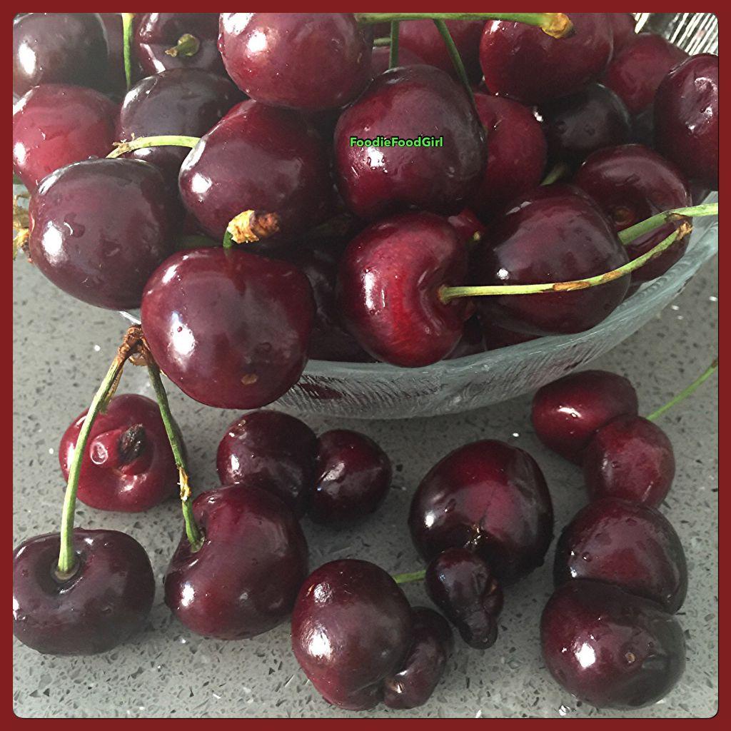 ❤️❤️ Organics aren't Perfect and I think I ❤️ them more. Just like us- we're not perfect. We're Unique  #raw #fruit #cherries #bingcheeries #fullyraw #organicfruit #organic #rawvegan #rawfoodie #loverawfruit #fruitlover