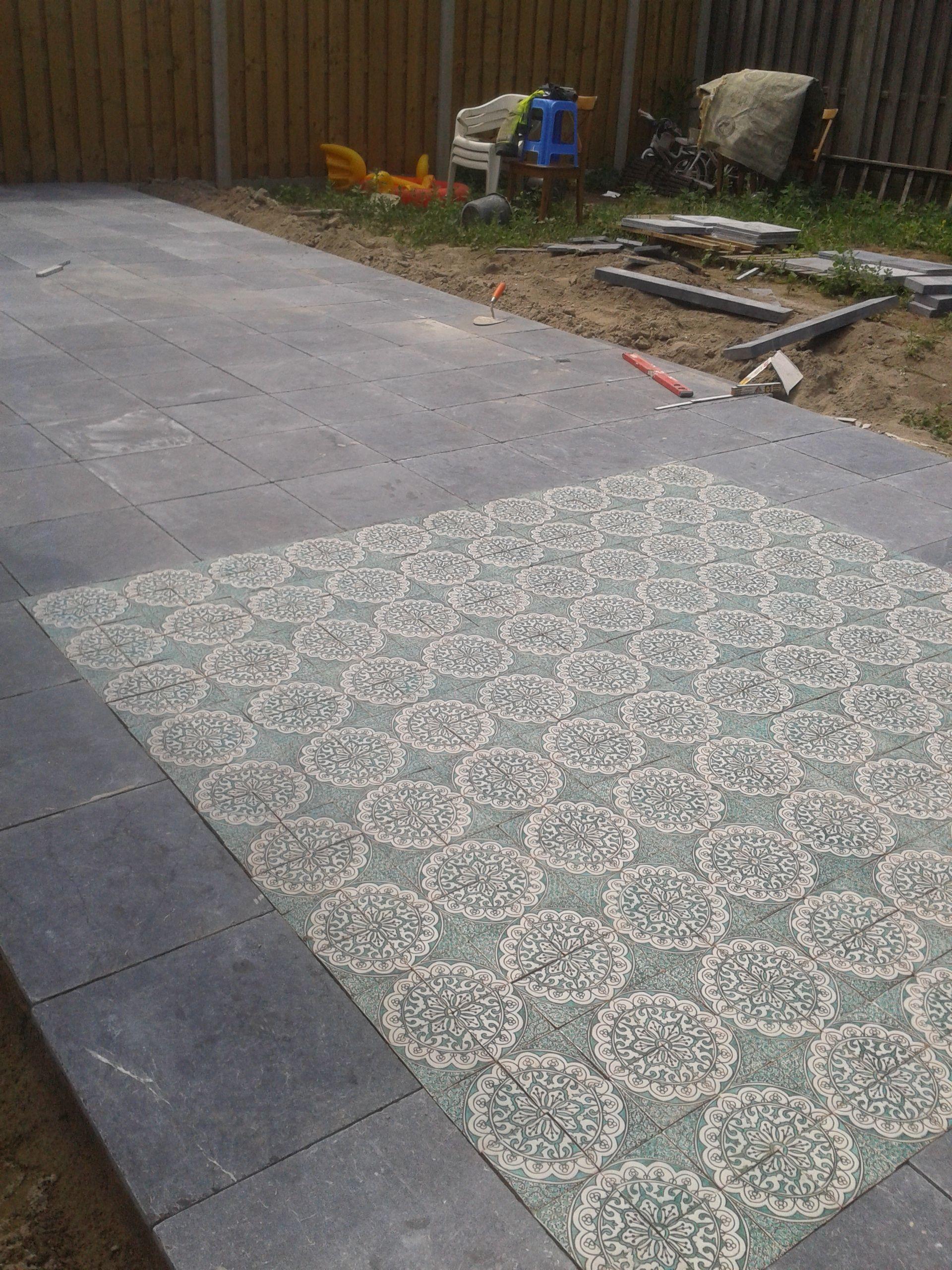 Marokkaanse Tegels Tuin.Terras Met Marokkaanse Tegels In Verwerkt Tuin Marokkaanse Tuin