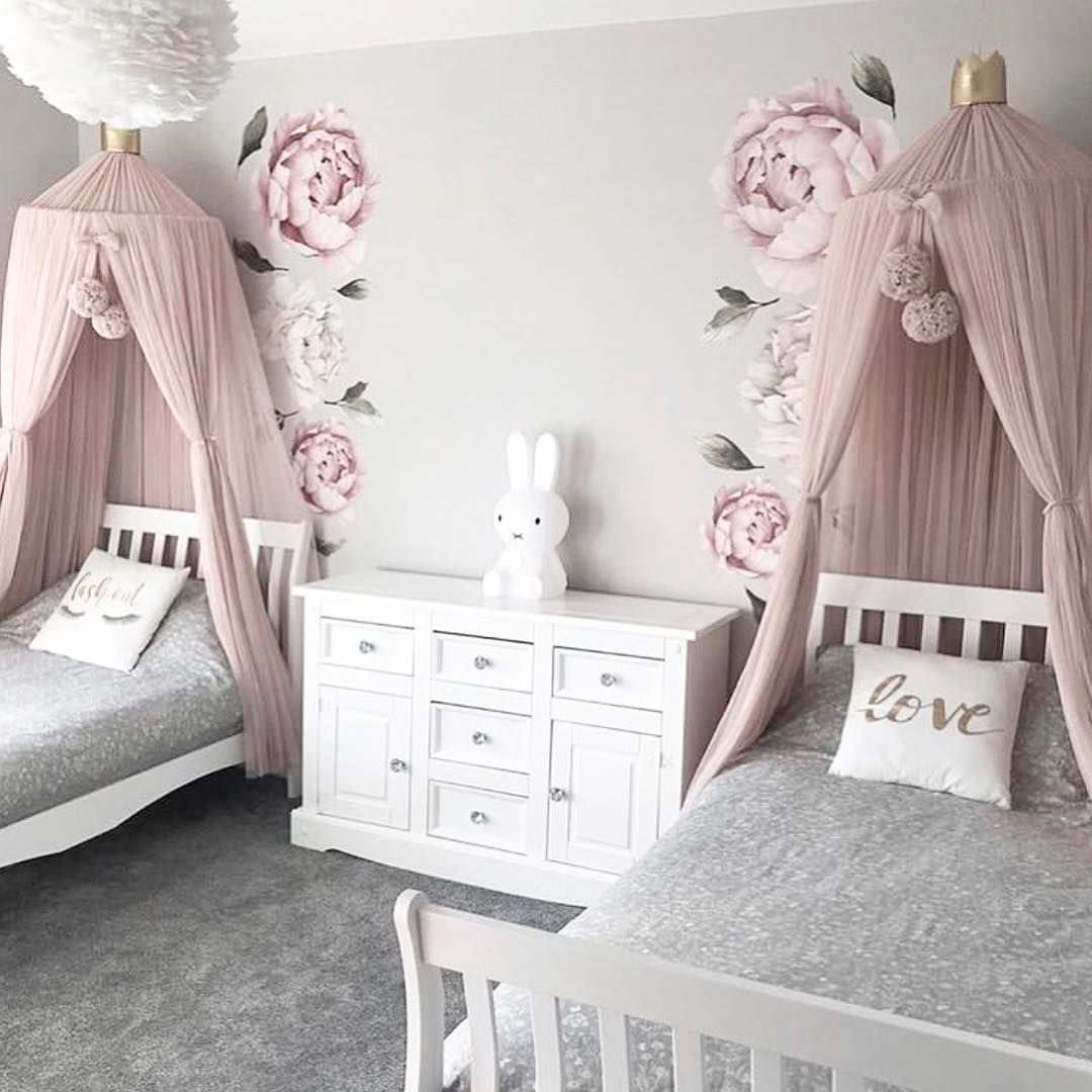 A Room For Two Sisters Love Luxe Interiors Shows Us How To Create A Sweet Collaborative Space For Shared Girls Room Girl Bedroom Decor Twin Girls Room