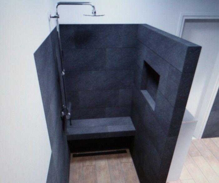 Leuk idee voor inloopdouche nis voor flesjes en bankje badkamer pinterest modern and house - Idee voor badkamers ...