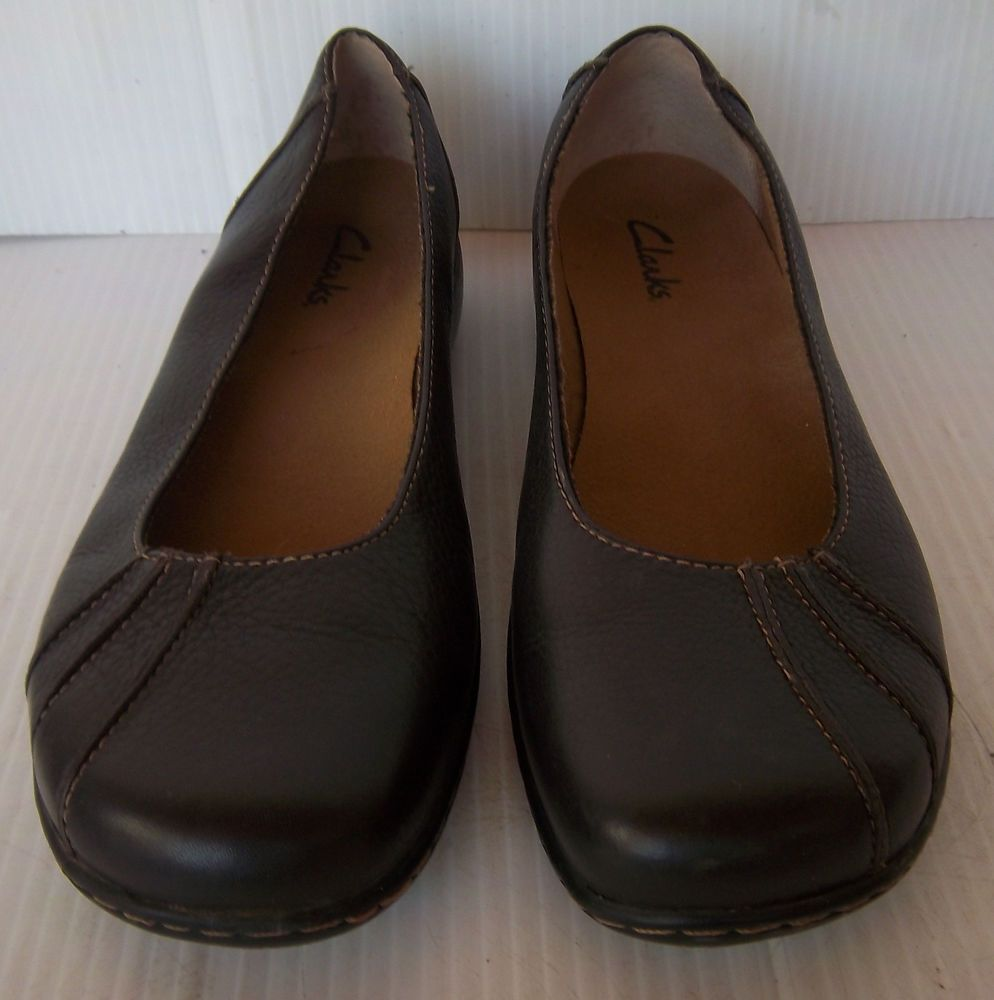 Clarks Collection SIZE 9M Brown Leather Slip Ons