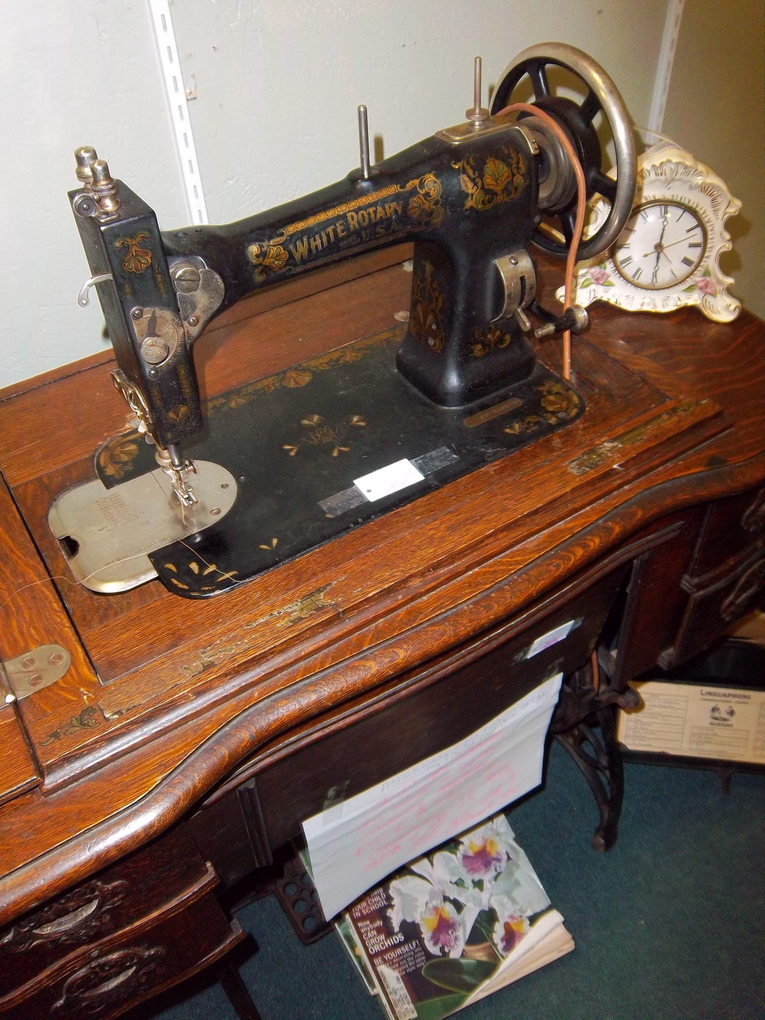 Rotary Sewing Machine : rotary, sewing, machine, White, Rotary, Sewing, Machine, Great, Condition!, Would, Projects…, Machine,