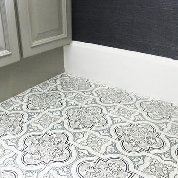Black And White Quatrefoil Marble Screen Printed Tile Floor