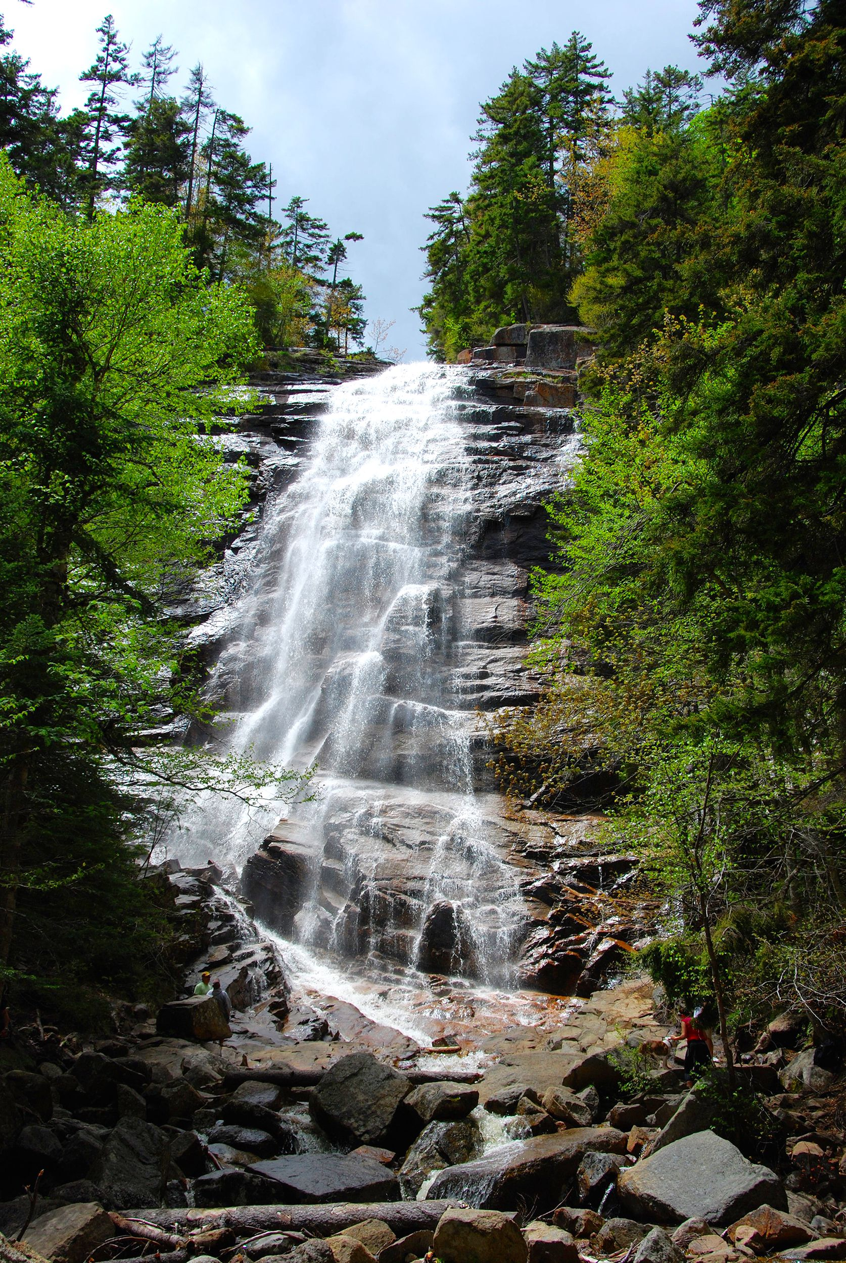 Crawford Notch State Park Has 5 775 Acres Of Hiking And Waterfalls