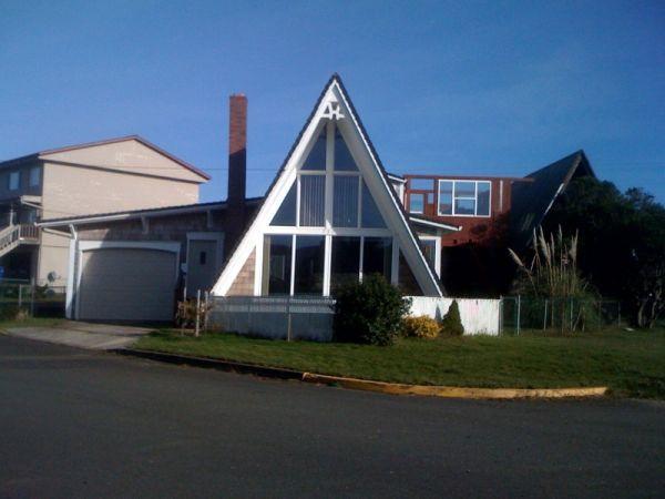Oregon Coast vacation rental | Small house, Oregon coast ...