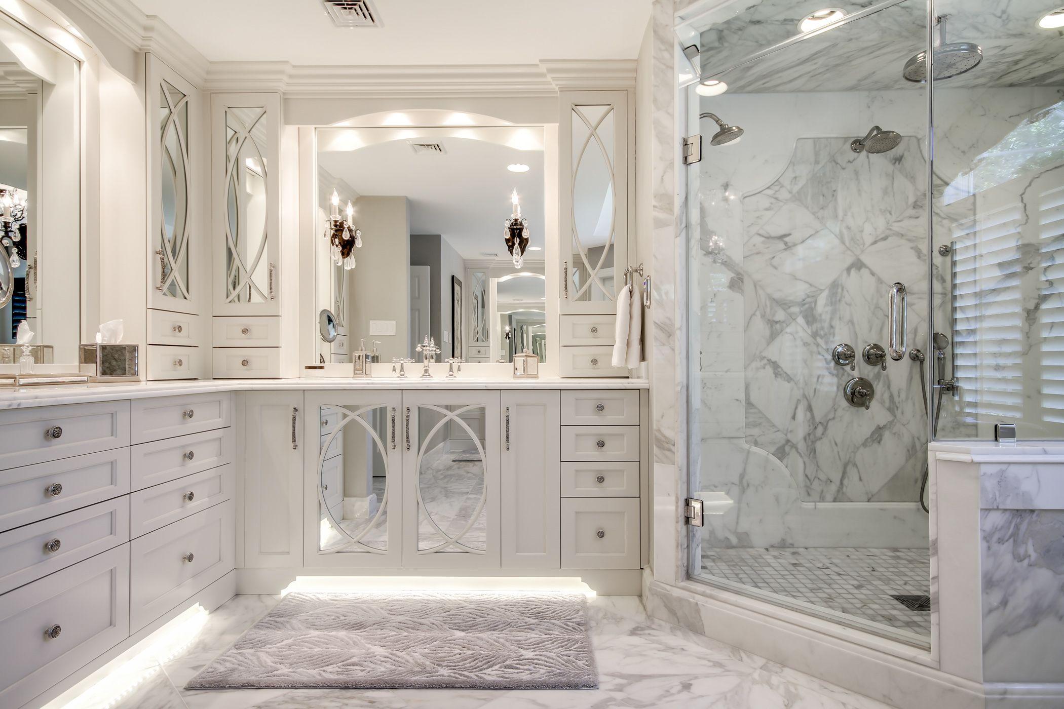 This Master Bathroom Features Gorgeous White Calacatta