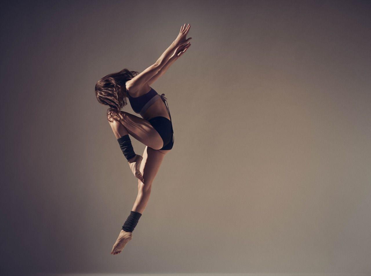 женский позы для фото в прыжке которые