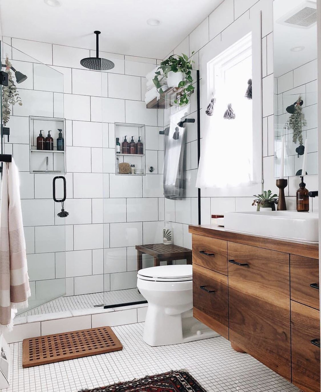 𝐩𝐢𝐧𝐭𝐞𝐫𝐞𝐬𝐭 𝐫𝐚𝐢𝐠𝐚𝐧𝐜𝐥𝐚𝐫𝐞 𝐢𝐧𝐬𝐭𝐚 𝐫𝐚𝐢𝐠𝐚𝐧𝐱𝐜𝐥𝐚𝐫𝐞 Bathroom Inspiration Bright Bathroom House Bathroom