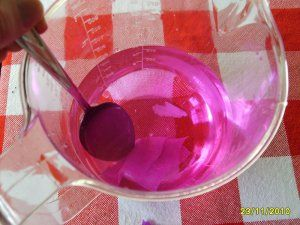 Wasser Färben