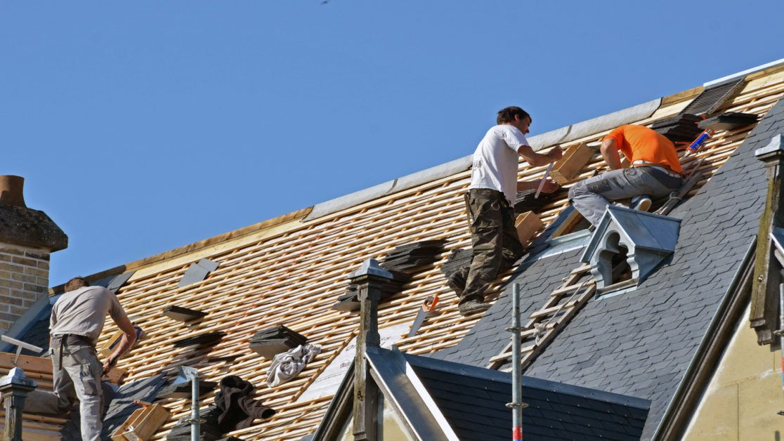 Choosing the Right Residential Roofing Specialists