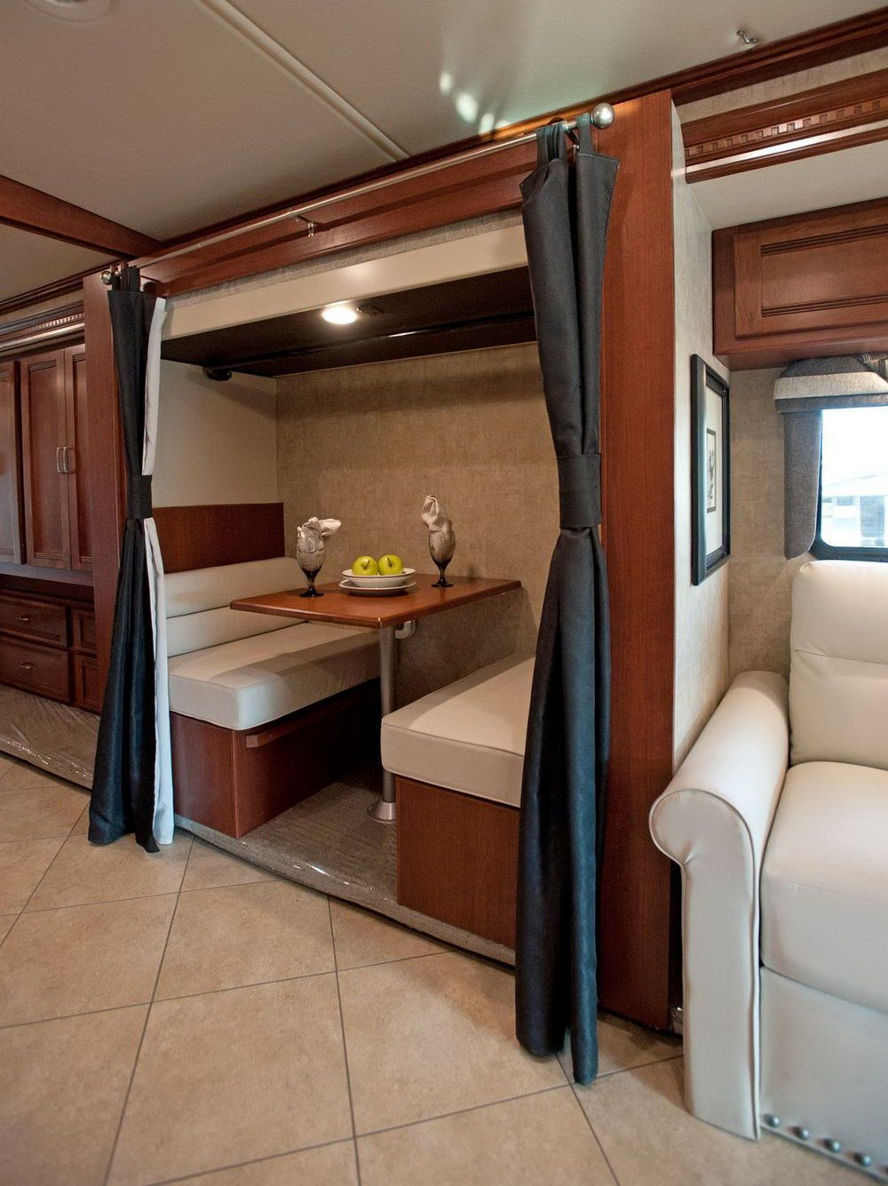 50+ Cl A Diesel Motorhome with Bunk Beds for Sale - Interior ...