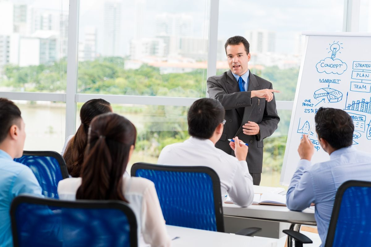 How Communication Motivates People in the Workplace Good