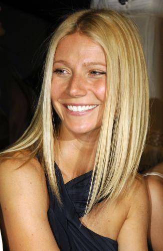 Gwyneth Paltrow Beautiful Complexion Gorgeous Smile And Chic Long Straight Bob Gwyneth Paltrow Hair Hair Styles Long Hair Styles