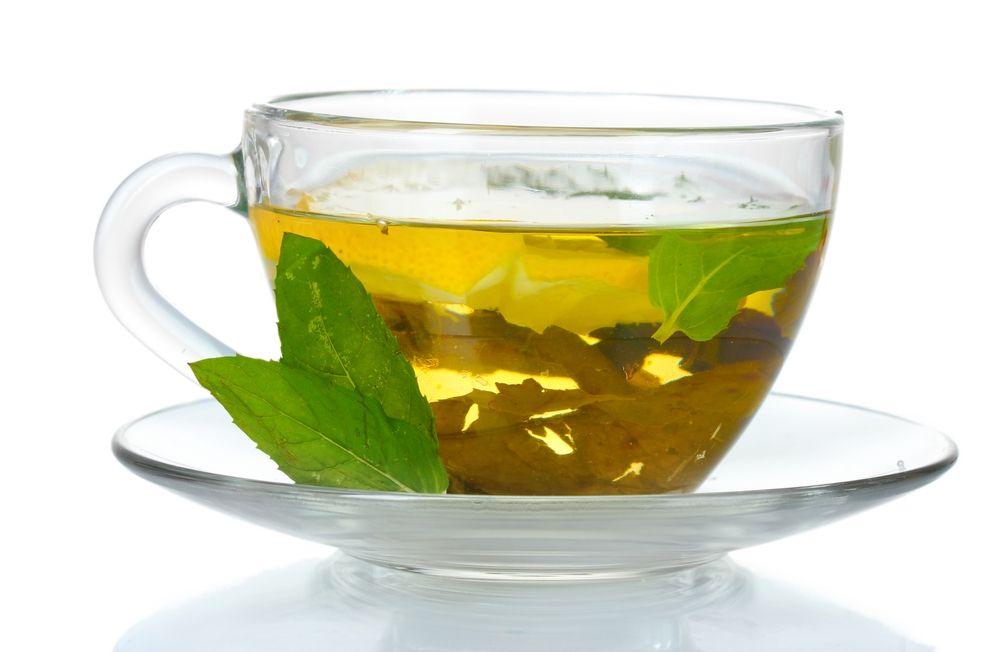 O chá verde é rico em cafeína, que serve para ajudar a emagrecer, mas ele também pode ser usadopara diminuir o colesterol e prevenir o...