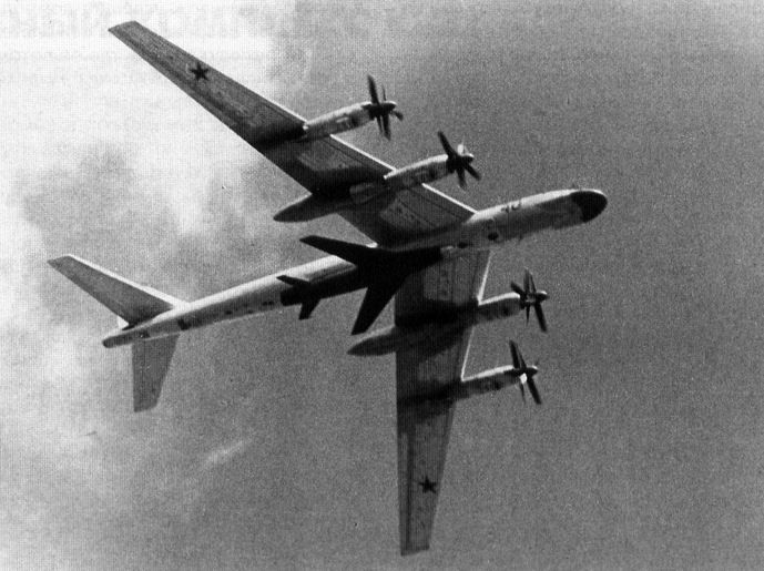 Tu95K-20 with cruise missile Comet