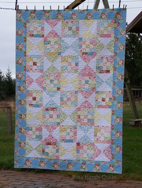 Country Cottage Twin Quilt {a Finish!}