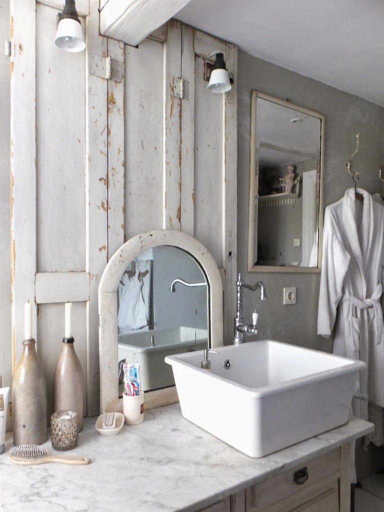 French Country Farmhouse bath in 2019 Französischer