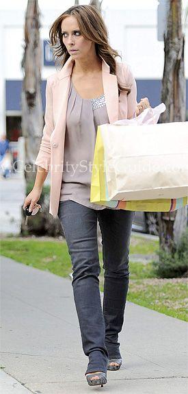 Jennifer Love Hewitt Style - Fashiotopia